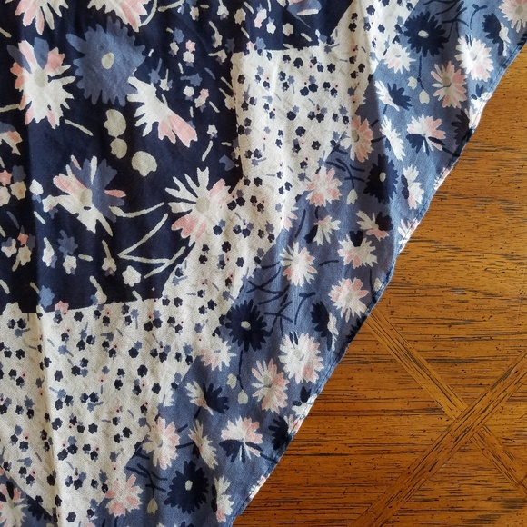 Old Navy Accessories - Floral Cotton Scarf